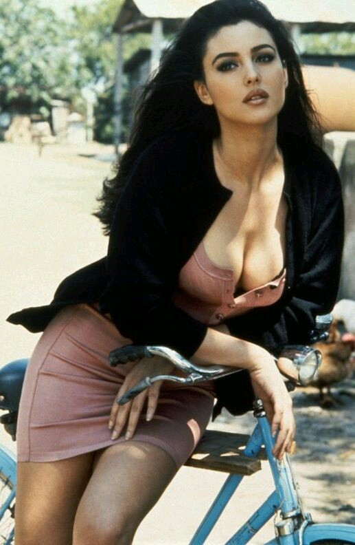 En güzel Monica Belluci fotoğrafları