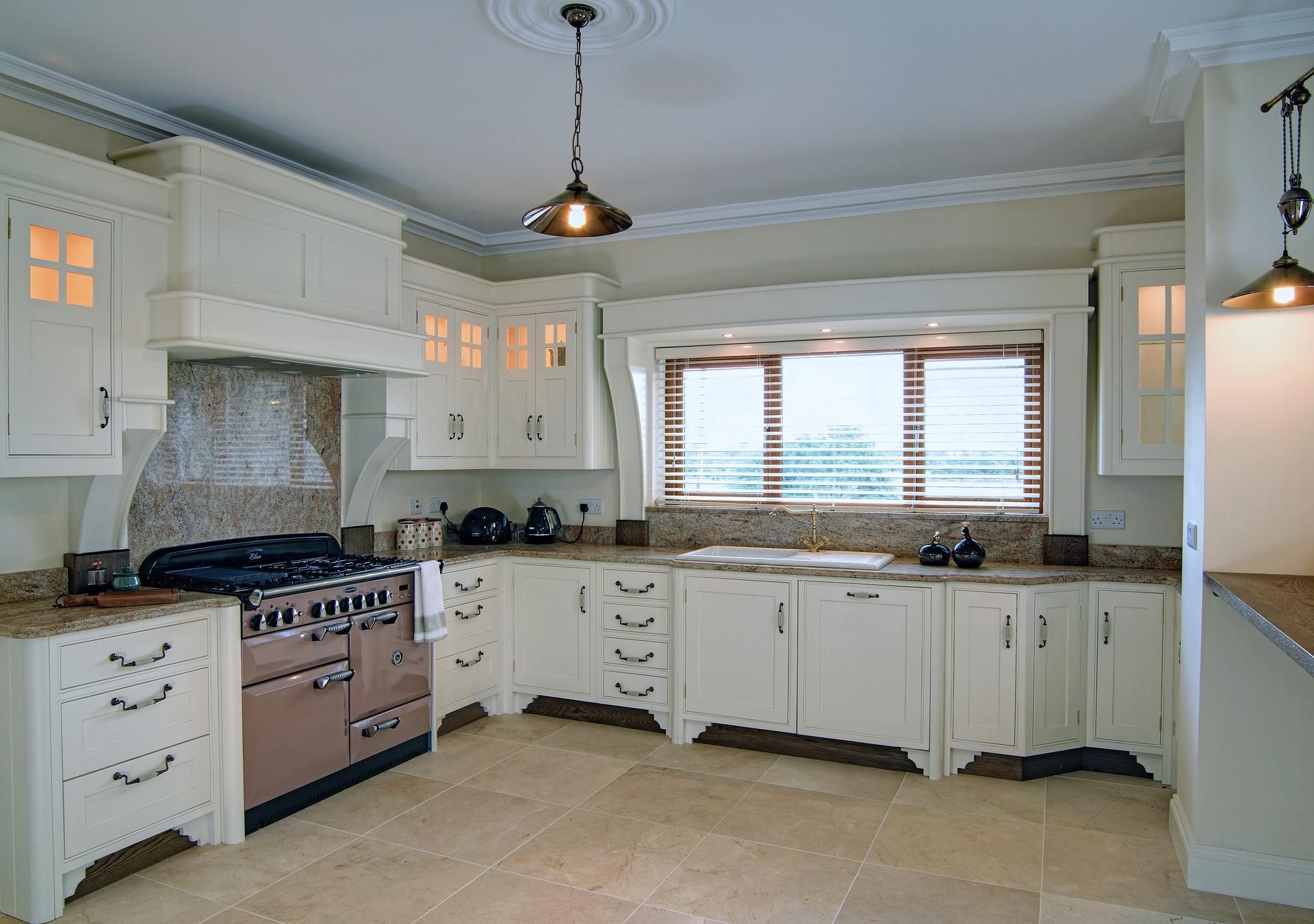 Beyaz renkli mutfak