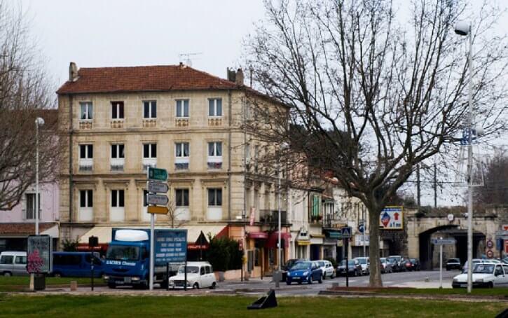 Van Gogh'un Arles'te kaldığı evi resmettiği yerin günümüzdeki hali